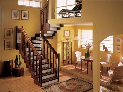 Лестница в доме а второй этаж