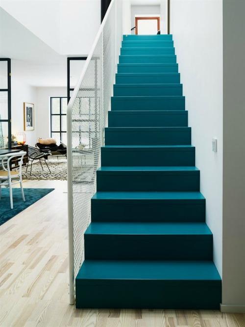 Технология покраски деревянной лестницы