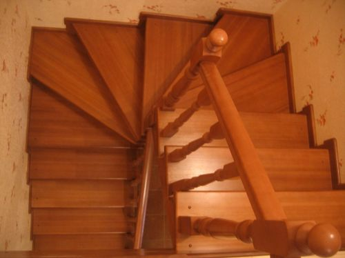 Разворот лестницы с забежными ступенями