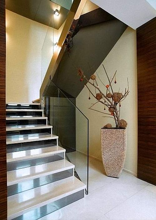 Дизайн лестницы на мансарду в доме