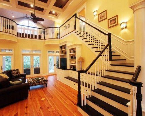 Лестница для большого дома