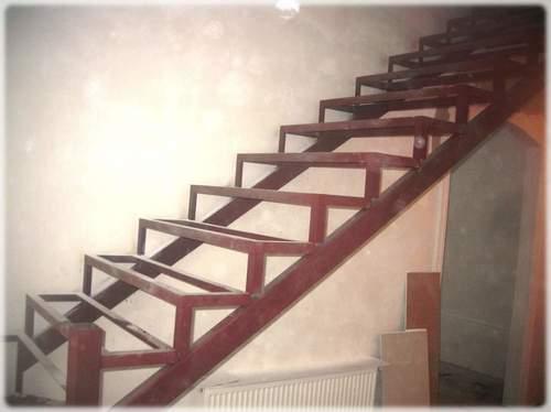 Самодельная металлическая лестница