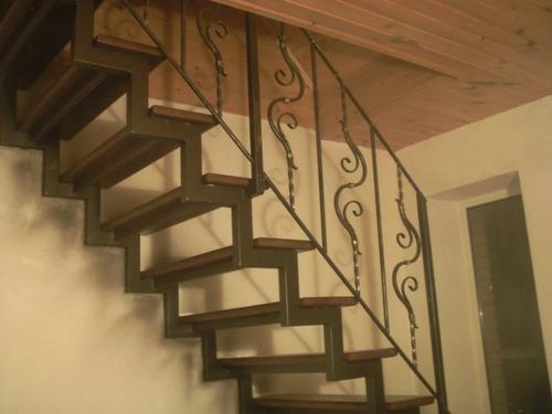 Лестница на металлической основе своими руками