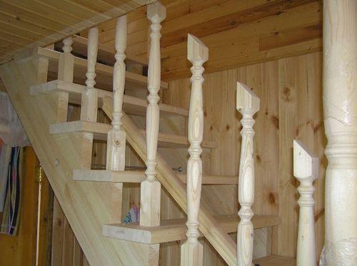 Крепление балясин к ступеням