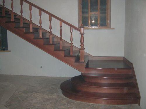 Деревянная отделка лестница