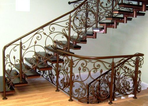 Лестницы на металлокаркасе: это надежно!