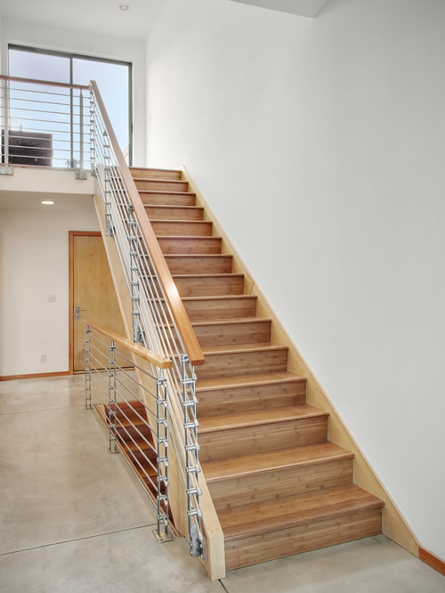 Деревянные маршевые лестницы в доме