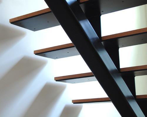 Металлические лестницы в интерьере