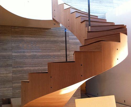 Лестница с отделкой