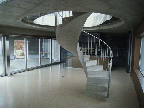 monolitnye_lestnicy_iz_betona__11