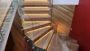Как отделать лестницу  ламинатом