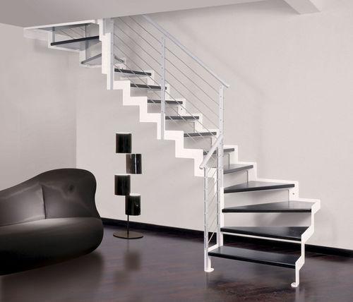 Хай-тек лестница с поворотом