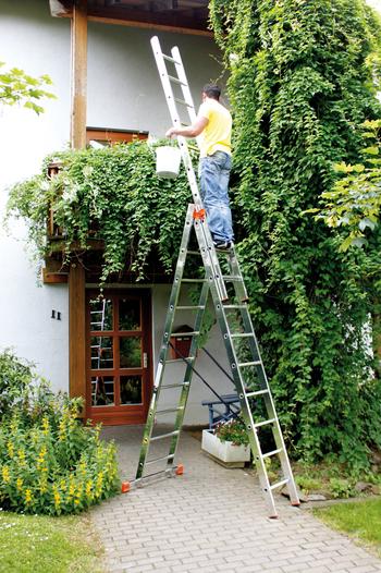 Использование трехсекционной лестницы