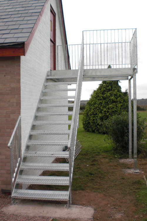 лестницу своими уличную руками построить
