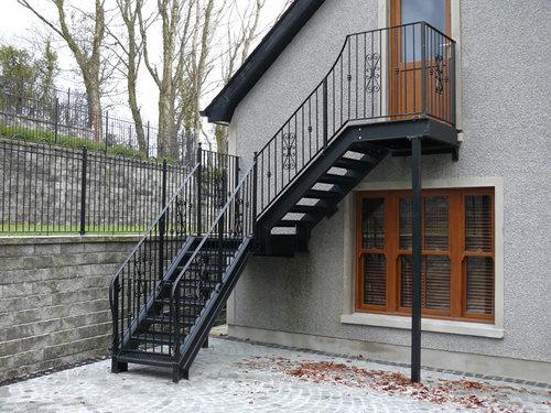 Маршевая наружная лестница