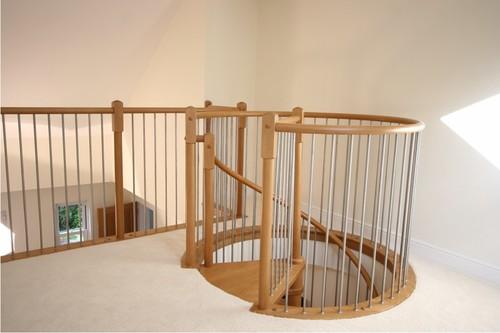 Вход на лестницу со второго этажа