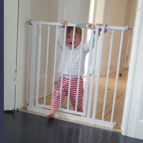 Ограждение для детей в дверной проем своими руками 3