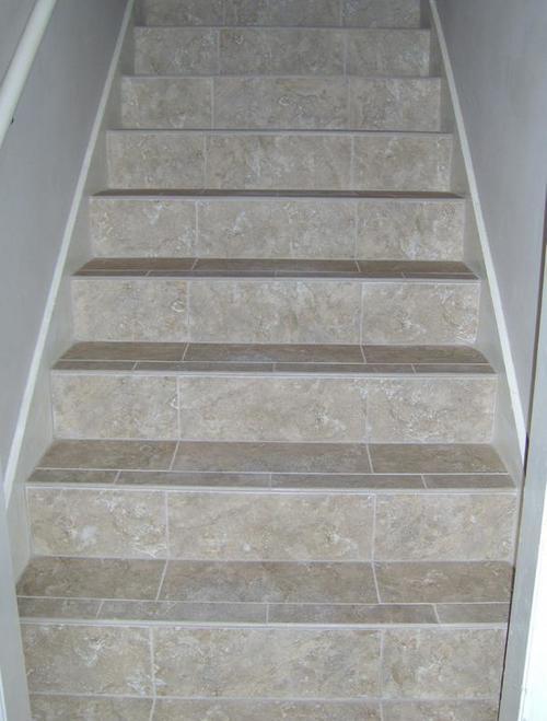 Лестница с керамической плиткой