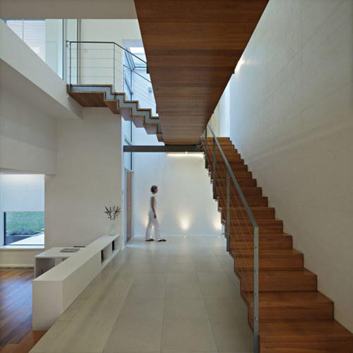 Лестница с креплением к стене