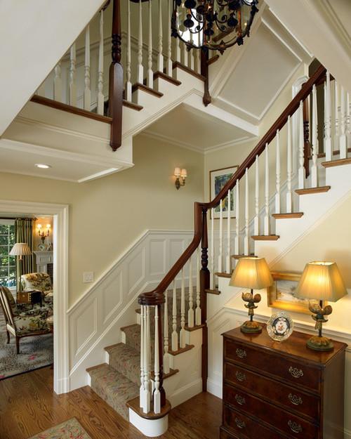 Лестницы на второй и третий этаж