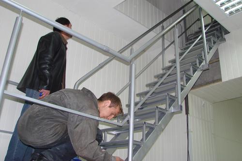 lestnica-garazha-08