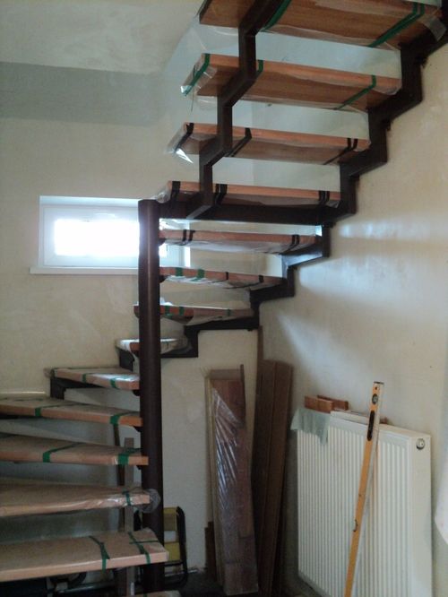 Лестница своими руками из металлического профиля