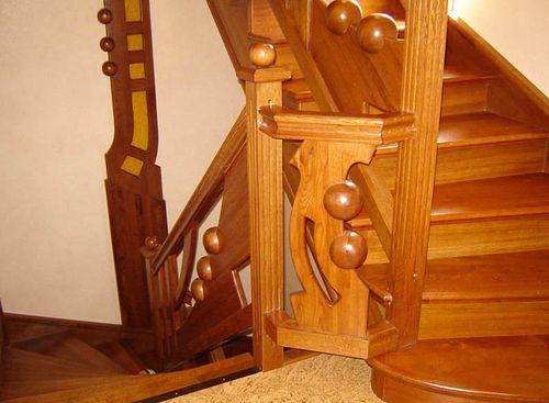 Чем хороши лестницы из бука?