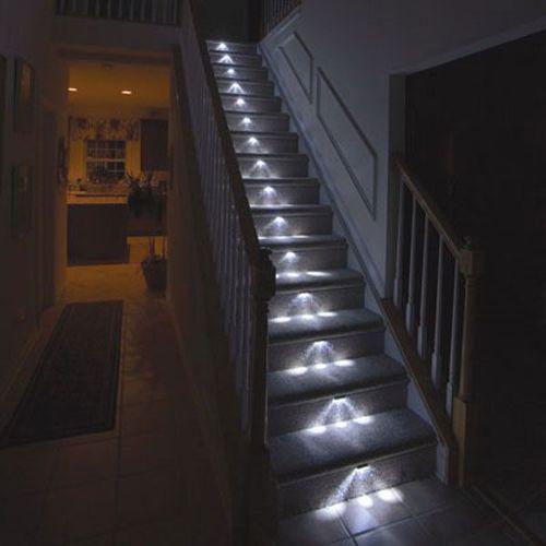 Лестница с подсветкой ступеней