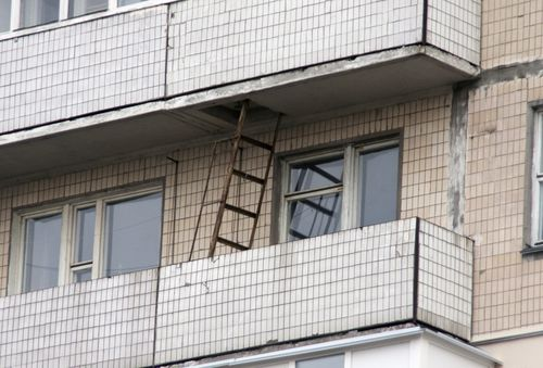 Лестница на балконе