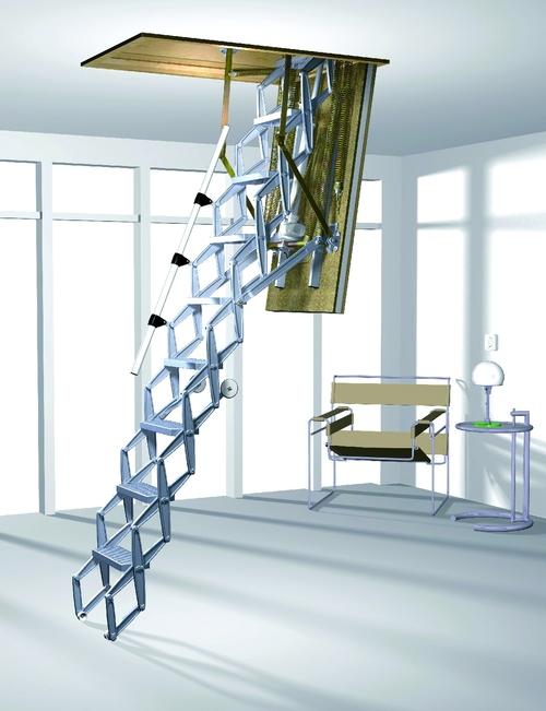 Люк с металлической лестницей