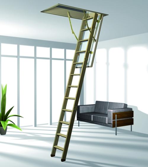 Вариант с деревянной лестницей