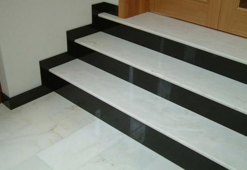 Мраморные ступени для лестницы: достойный выбор