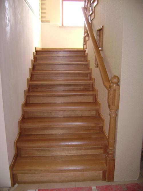 На маршевой лестнице
