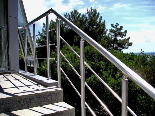 Алюминиевые перила для лестниц: общая информация
