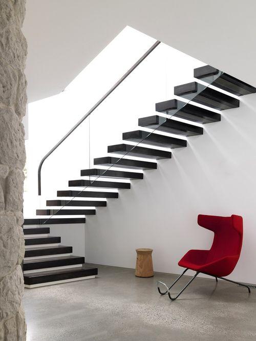 Консольная лестница в интерьере