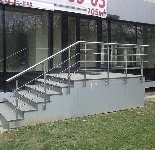 Металлические перила для лестниц: фото варианты, изготовление, крепление