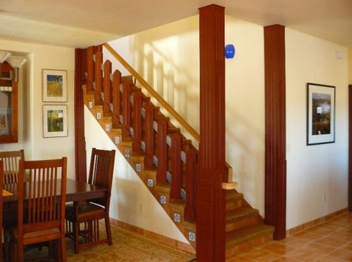 Деревянные поручни для лестницы