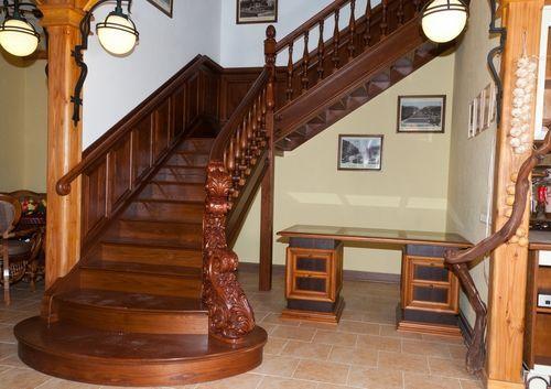 Чертежи лестницы на второй этаж с поворотами