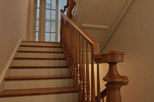 Как выбрать итальянские лестницы для загородного дома