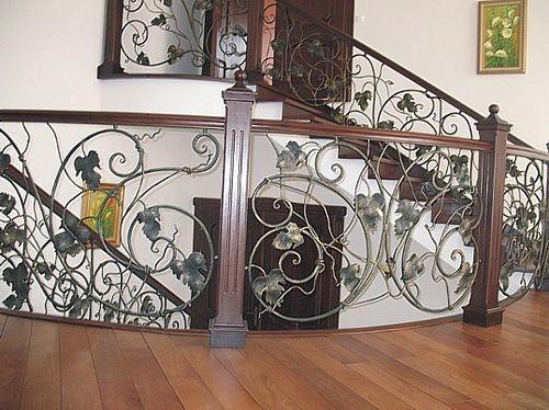 Как делаются кованые балясины для лестницы