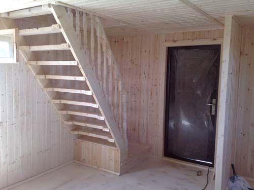 Лестница на 2 этаж на даче