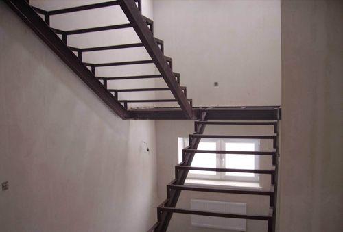 Как и из чего осуществляется сварка лестницы