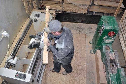 Купить столбы и балясины для лестницы в Москве от