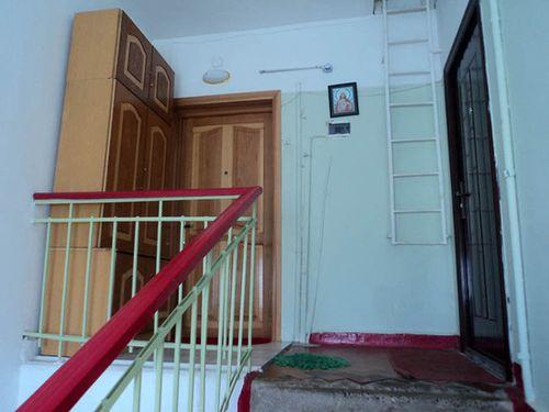 dveri_na_lestnichnuyu_ploshhadku_04