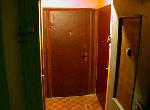 dveri_na_lestnichnuyu_ploshhadku_06