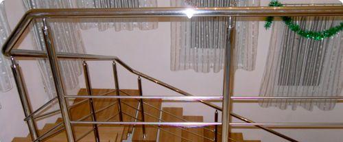 Какие бывают лестничные решетки