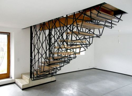 Идеи дома с лестницами посередине дома