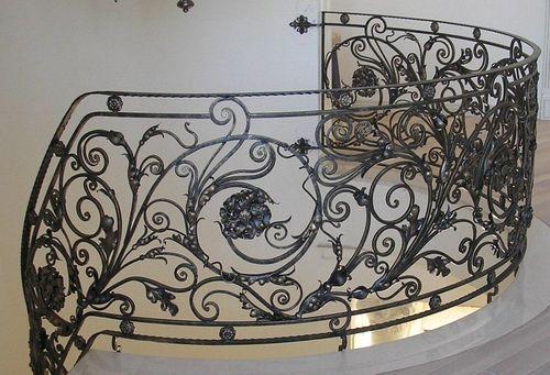 Как производится обработка лестницы: деревянной и металлической