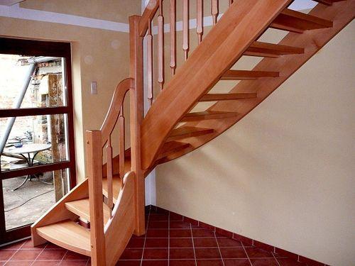 Какое должно быть основание лестницы на второй этаж