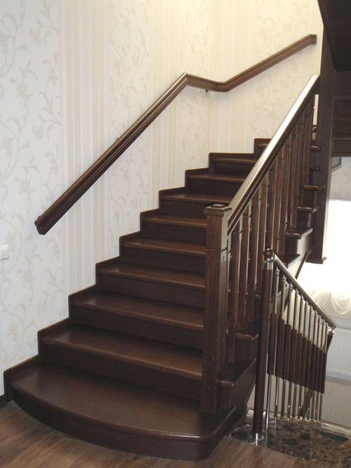 Настенная лестница с поручнями для упражнений ребенка